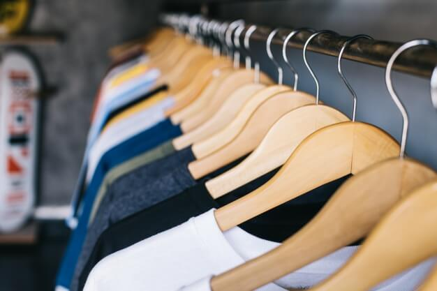 Leilão online de roupas