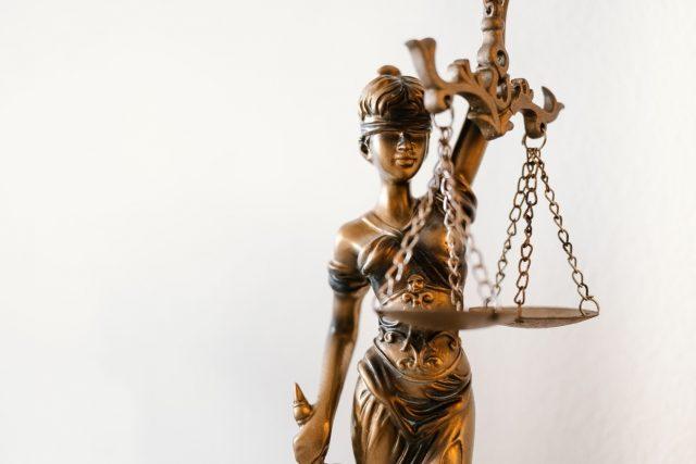 Leilões judiciais: quem fica responsável por pagar as dívidas tributárias?